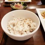 中国菜房 くどう - 十穀米。白米も選べます。