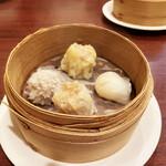 中国菜房 くどう - 点心は4種。味が付いているので、どれもそのまま。