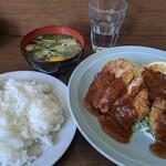 新華園 - 料理写真:みそかつ定食 ¥700
