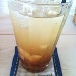 カフェ フォコリ - 黒糖ジンジャーエール(コースターは手作りのようです)