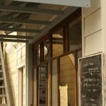 カフェ フォコリ - カフェの外観(アップ写真)