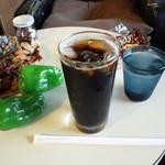 ローレンス - アイスコーヒー(500円)とお菓子