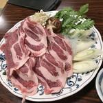 コロムビア - 豚肉のすき焼き、それが下仁田スタンダード。
