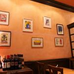 ペッシェドーロ - 店内の壁