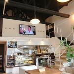 カフェ バンヤンツリー - 店内 ロフトがある