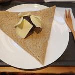 ソバカフェ 孫三 - あんこバターガレット バターもちゃんとした乳製品のあじわいがあっておいしいミャ