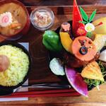 TAKEUCHI - 煮込みハンバーグカレー膳