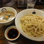 紋次郎 - 辛つけ麺(並)