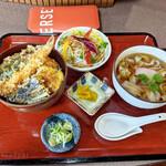城山 - 料理写真:天丼と温きしめん