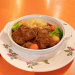 二葉會館 サンセール - 鶏モモ肉の赤ワイン煮込み(週替わりランチメニュー)