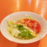 二葉會館 サンセール - ランチのサラダ