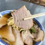 いろは食堂  - いろは食堂@鶴岡 中華そば・肉多め 肉リフト