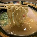 一蘭 - 麺は細ストレート