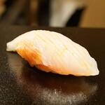 鮨 しゅんじ - 料理写真:金目鯛