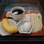 かかし - ドリンク代のみのモーニングサービス(コーヒーは420円)