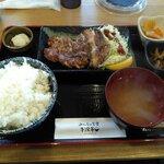 みんなの食堂 牛深亭 - 料理写真:国産豚肩ロース炭火焼定食