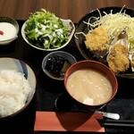 日本酒と生牡蠣 赤坂ソネマリ - 自家製カキフライ定食全景