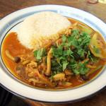 14343387 - 豚バラとシメジとチンゲン菜のサンバルカレーと海南飯(チキンスープで炊いたライス)
