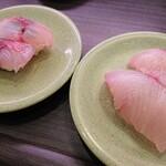 亀正くるくる寿司 - 佐賀関産のいさき280円と・・・ぶりっぽいもう1品は失念ですが280円のお皿ですね。
