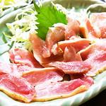 大衆割烹まるはち - 鶏のたたき 肉もいいしタレも最高です!