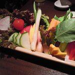 14346894 - 自家農園の採れたて生野菜15種盛り