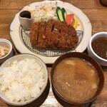 Front du CHATON - 林SPFポーク ロースとんかつ定食(大) + カップカレー