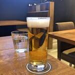 Front du CHATON - 生ビール(サッポロ黒ラベル)