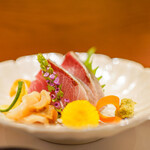 恵比寿 鮨 栞庵 やましろ - お造り 氷見の寒ブリ・北海道のつぶ貝