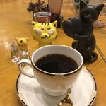 長靴と猫 - ホットコーヒー