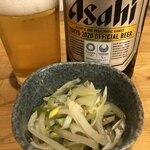 居酒屋 白ヒゲ - お通しの浅漬け搾菜