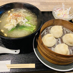 外灘紅緑灯 - 小籠包と米麺ランチ