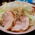 ラーメン豚山  - 小ラーメン・ヤサイニンニク(780円)