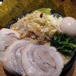 横浜家系ラーメン 一蓮家 - 料理写真:野菜ラーメン特盛トッピング