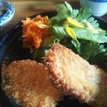発酵食堂 ろじうら - 秋鮭フライ