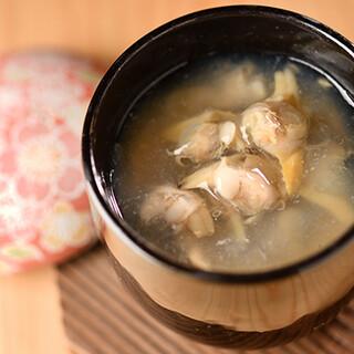 季節感を大事に、基本に忠実に作り上げる和食料理が自慢です。