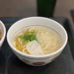 なか卯 - 炭火焼き親子丼+はいからうどん(小)セット 790円