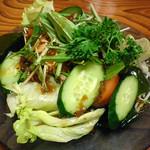 あか池 - 和風サラダ:630円