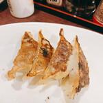 福ヤ - 一口焼餃子 4個220円