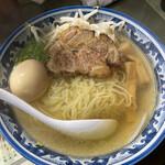 昭和 - 1番人気の昭和ラーメン¥850(ランチ時は麺大盛り無料、さらには12時迄は味玉サービス)