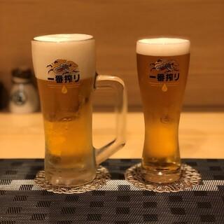 定番のビールやハイボールはもちろん、焼酎は特に豊富!