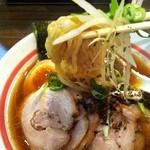 麺・吉平 - チャーシュー麺アップ