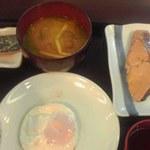 なか卯 - 目玉焼き鮭朝食400円也