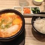 東京純豆腐 - ご飯と付け合わせのAセット250円を別途つけて。