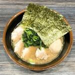はねだ家 - 料理写真:ラーメン+味付たまご+チャーシュー(麺固め、油多め、味濃いめ)