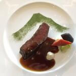 アッパーラウンジ - 料理写真:〇メインディッシュは富士が描かれています