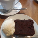 14359687 - グァテマラ(だったかな?)にチョコレートケーキ