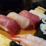 魚がし寿司 - にぎり。