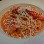 トスカチーナ - 料理写真:ズワイ蟹とエビの贅沢トマトクリームパスタ 1,500円(税込)