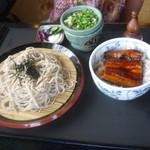 日本料理 華や - ミニうな丼セット。1370円。