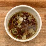 143607076 - つけ麺(醤油) ¥1,100 のつけ汁